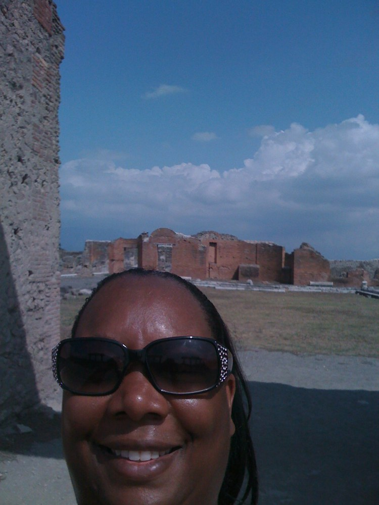 Ovetta Sampson in Pompeii
